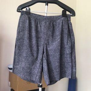 EUC Grey LINED Lululemon Shorts 9in (Size Large)